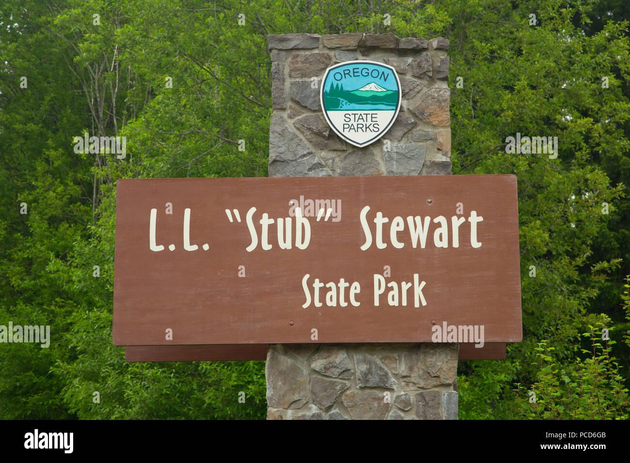 Entrance sign, Stub Stewart State Park, Oregon - Stock Image