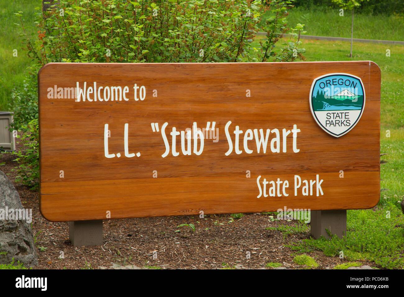 Sign at Welcome Center, Stub Stewart State Park, Oregon - Stock Image