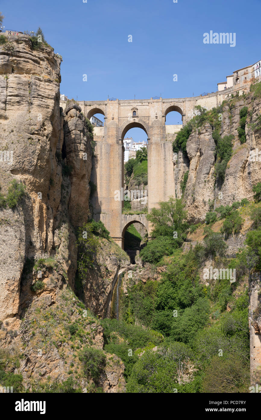 Puente Nuevo (New Bridge) and the white town perched on cliffs, Ronda, Andalucia, Spain, Europe - Stock Image
