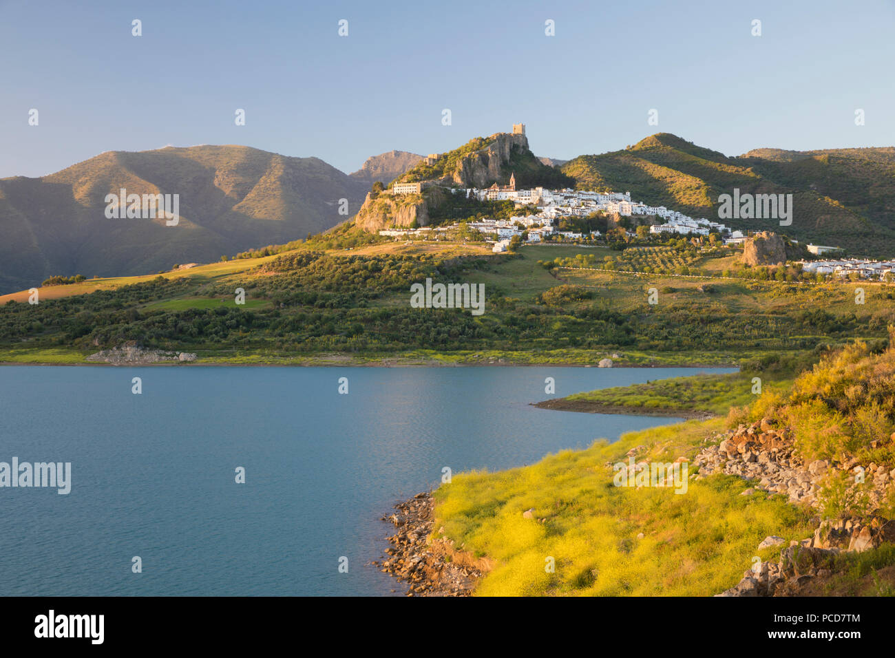 Moorish castle above white village and reservoir, Zahara de la Sierra, Sierra de Grazalema Natural Park, Andalucia, Spain, Europe - Stock Image