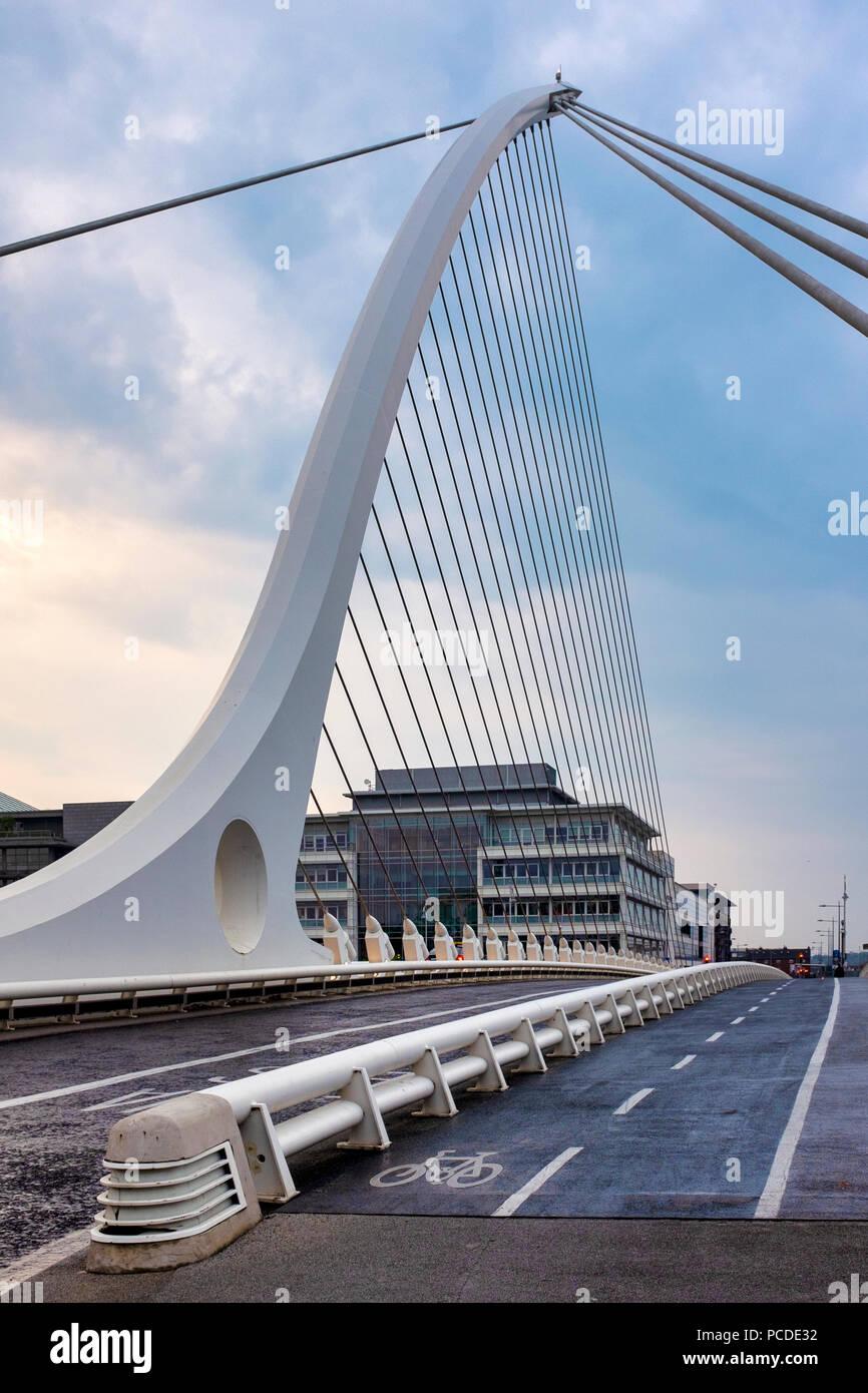 Cycle lane on Samuel Beckett Bridge, Dublin, Ireland - Stock Image