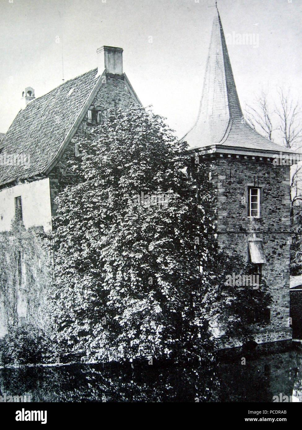 45 IMG 2584-Rittergut-Romber-Hauptgebaeude-Suedost-1894 - Stock Image