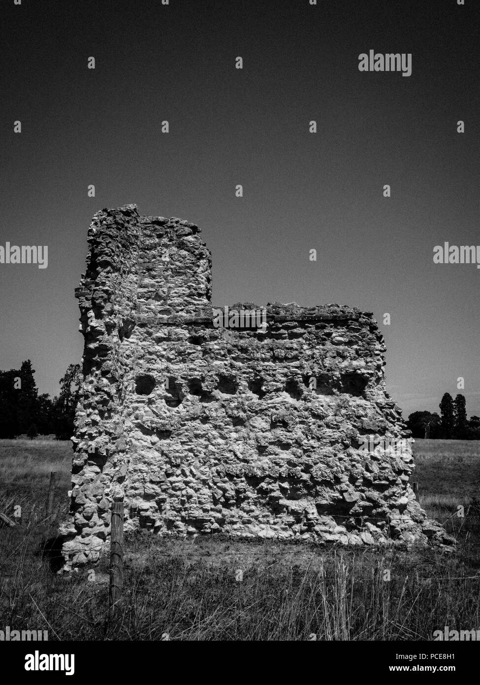 Black and White Ruins, Wallingford Castle, Wallingford, Oxfordshire, England, UK, GB. - Stock Image