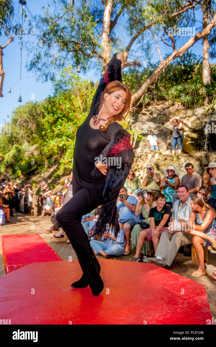Audience Members Watch An Outdoor Fashion Show Of Local Designers In Laguna Beach Ca Photo By Spencer Grant Stock Photo Alamy