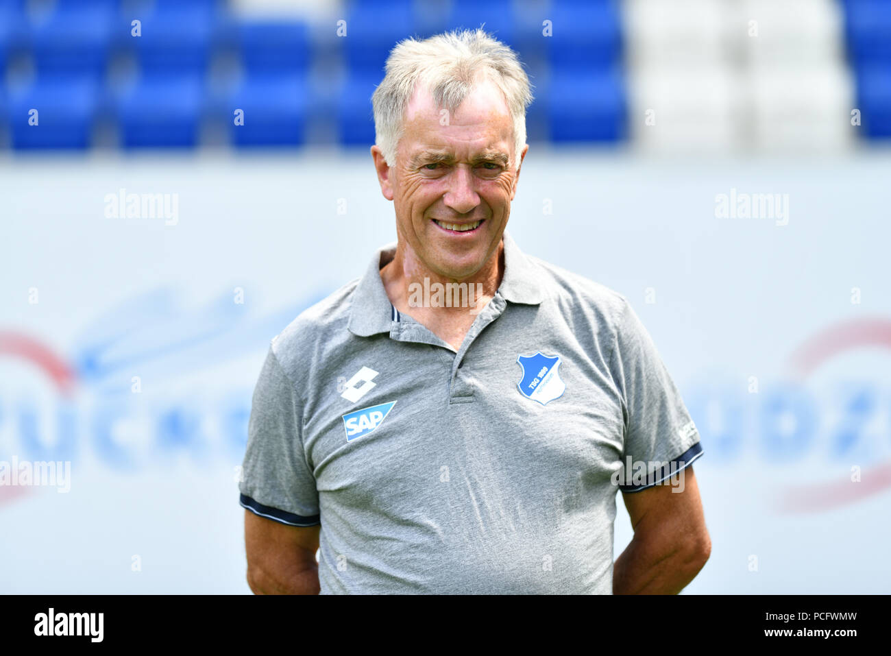German Bundesliga, official photocall TSG 1899 Hoffenheim for season 2018/19 in Sinsheim, Germany: kitman Heinz Seyfert Photo: Uwe Anspach/dpa  | usage worldwide - Stock Image