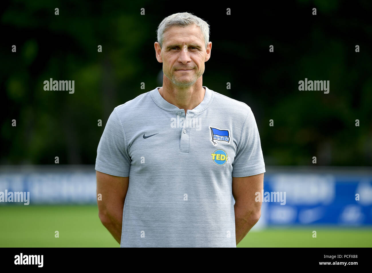 German Bundesliga, official photocall Hertha BSC for season 2018/19 in Berlin, Germany: kitman Hendrik Herzog ; Photo: Britta Pedersen/dpa/ZB  | usage worldwide - Stock Image