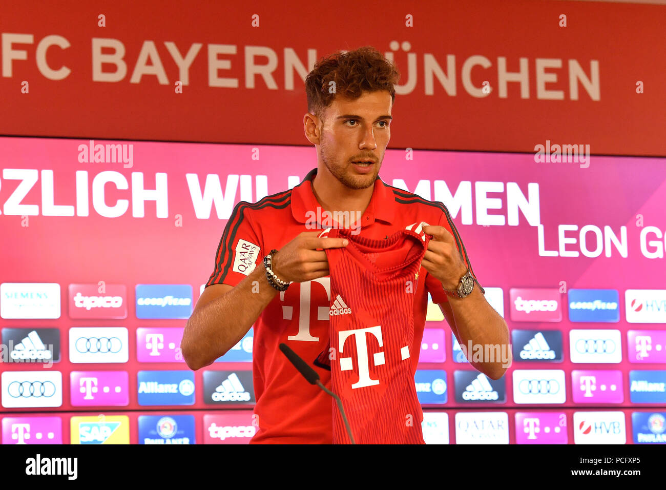 cheap for discount ecb9c 41c51 Munich, Deutschland. 02nd Aug, 2018. Leon GORETZKA (FC ...