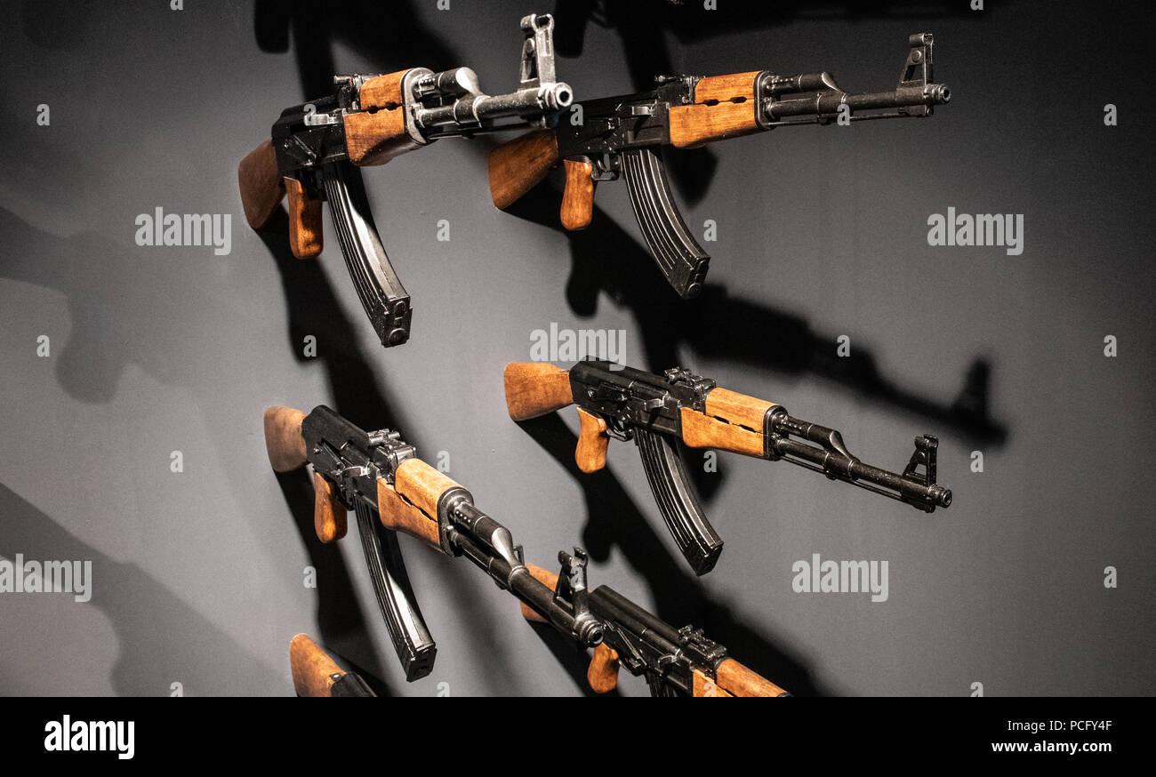 Germany Berlin 02nd Aug 2018 140 Kalashnikov Models Hang On A