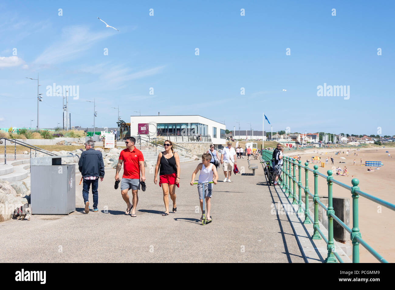 Seaburn Beach iand promenade, Seaburn, Sunderland, Tyne and Wear, England, United Kingdom - Stock Image