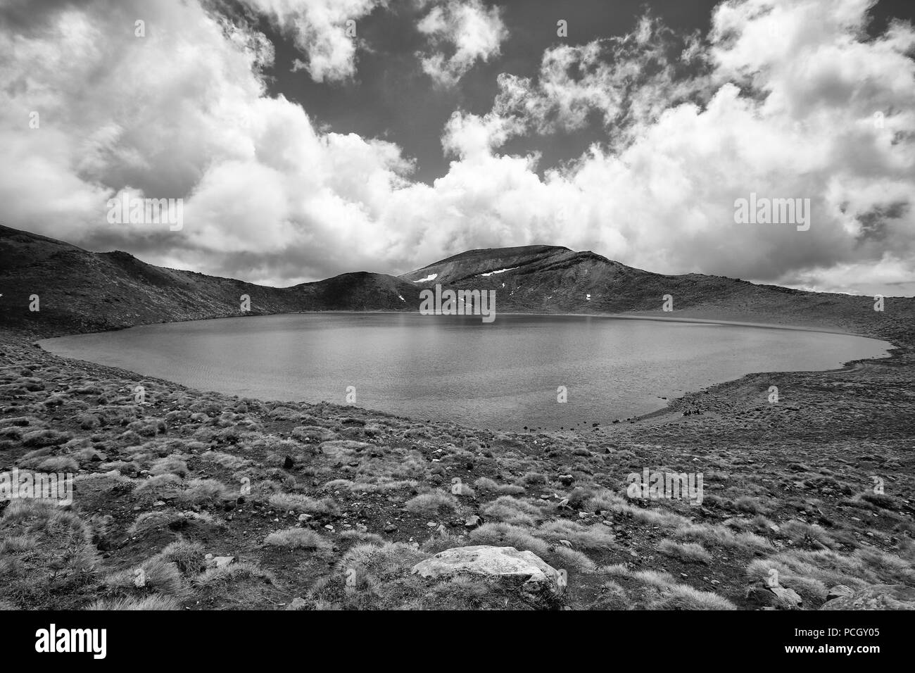 Along the Tongariro Alpine Crossing: Blue Lake - Stock Image