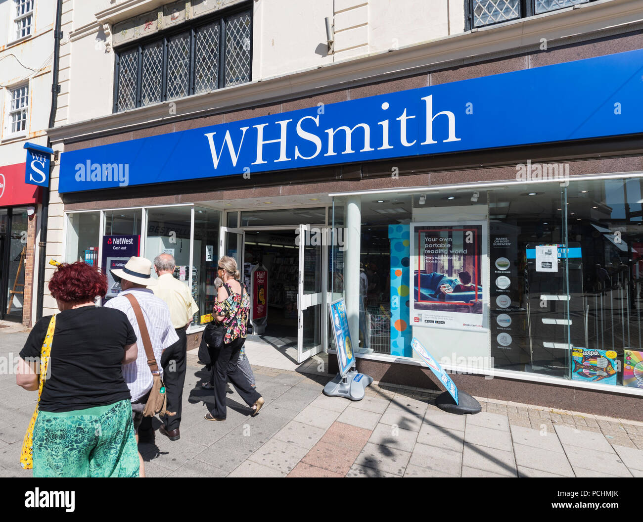 WHSmith shop front entrance in Worthing, West Sussex, England, UK. WHSmith retail store. WHsmiths. W H Smith. W H Smiths. - Stock Image