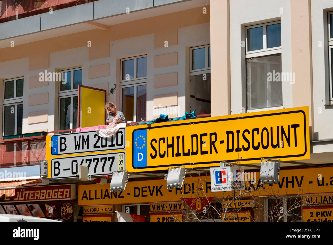 KFZ-Schilder, Jueterboger Strasse, Kreuzberg, Berlin, Deutschland, J³terboger Strasse - Stock Image