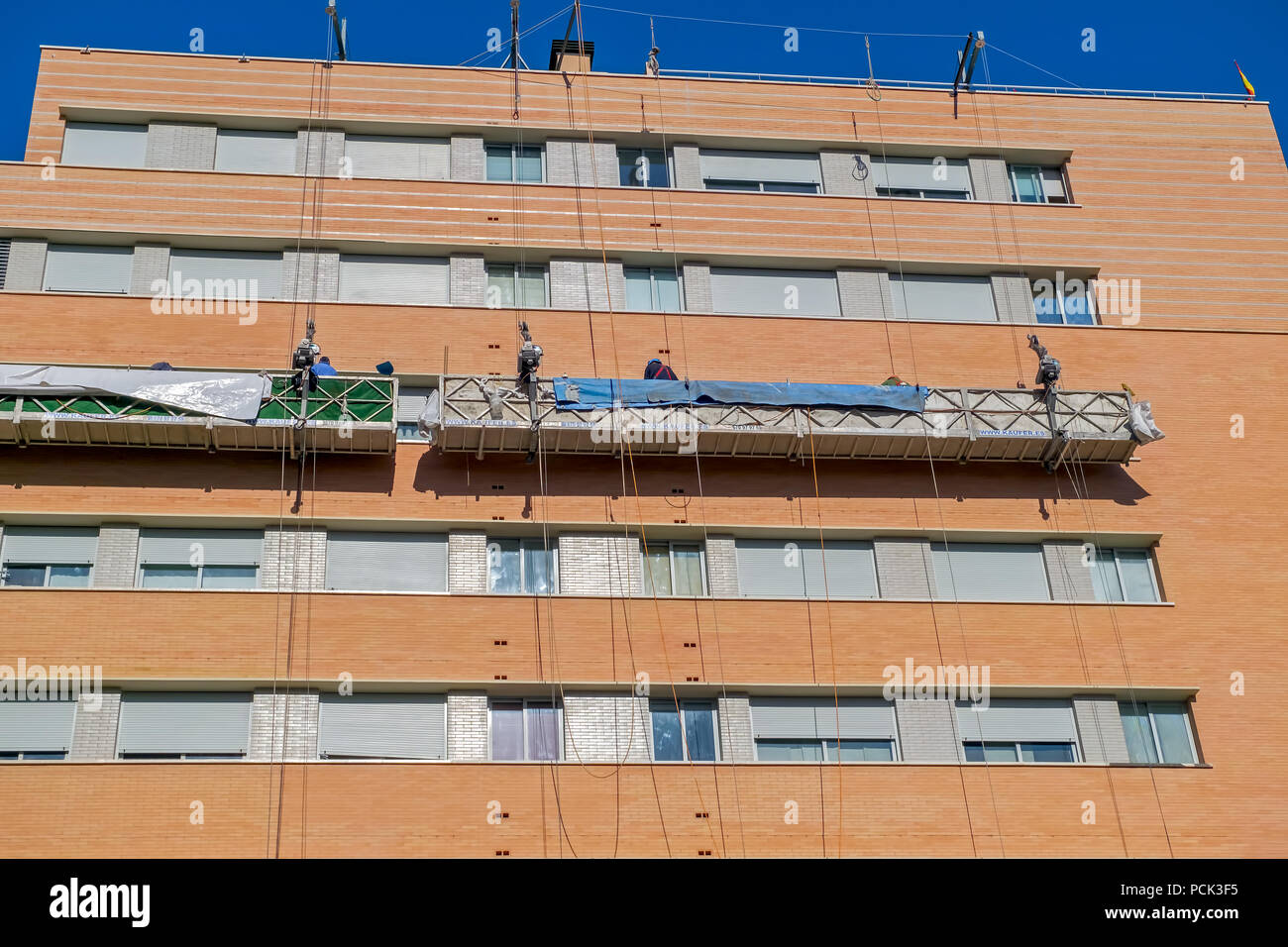 High rise steel workers stock photos high rise steel - Steel framing espana ...