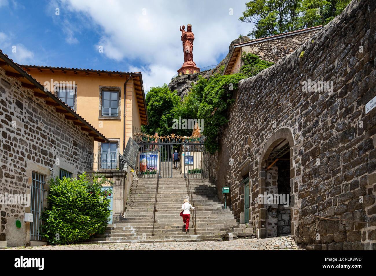 Architecte Le Puy En Velay the statue of notre-dame de france in the city of le puy-en