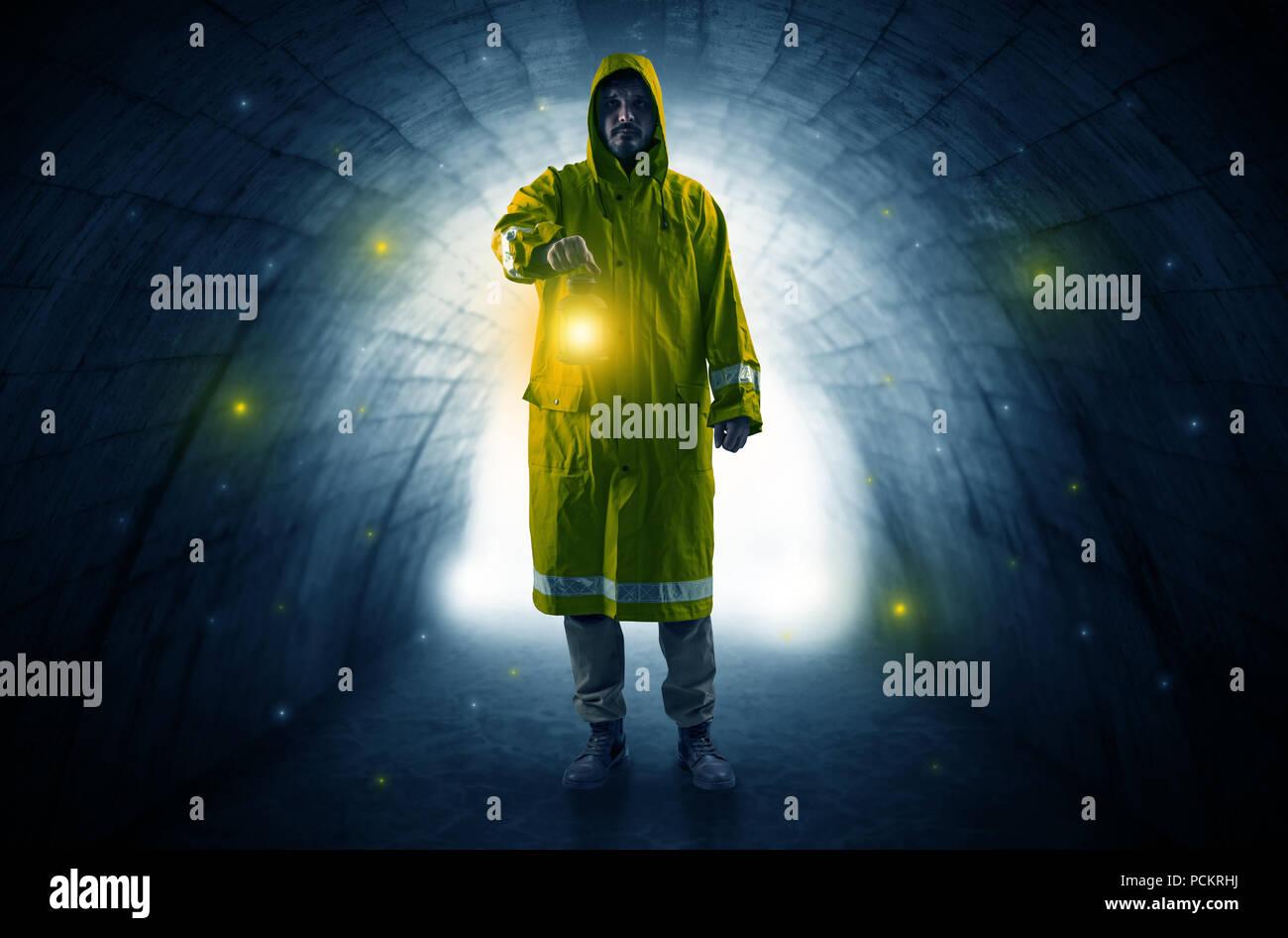 Glowing Firefly Stock Photos & Glowing Firefly Stock Images - Alamy