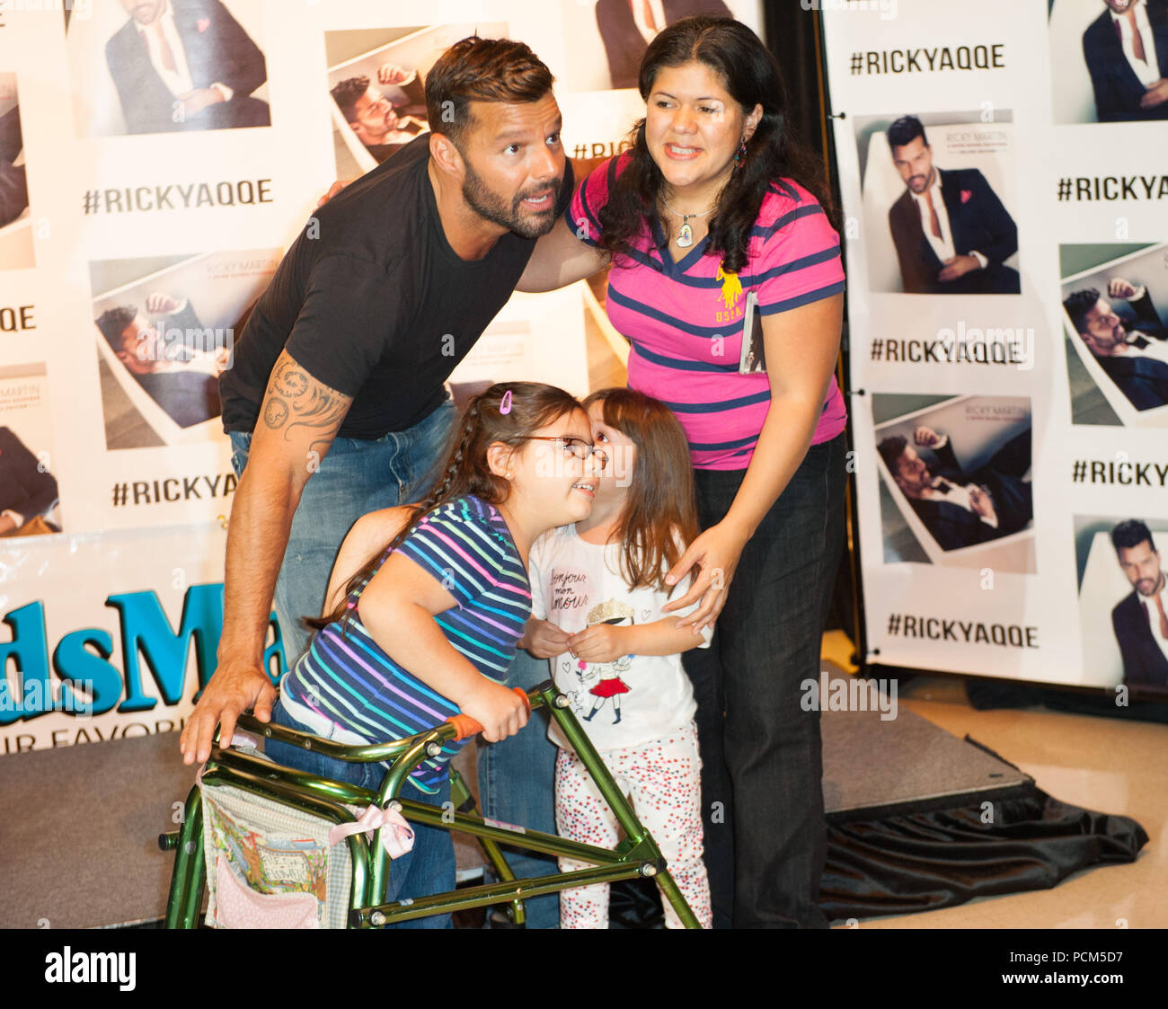 Miami Fl February 16 Ricky Martin Meets And Greets Fans At Brandsmart On February 16 2015 In Miami Florida People Ricky Martin Stock Photo 214343619 Alamy