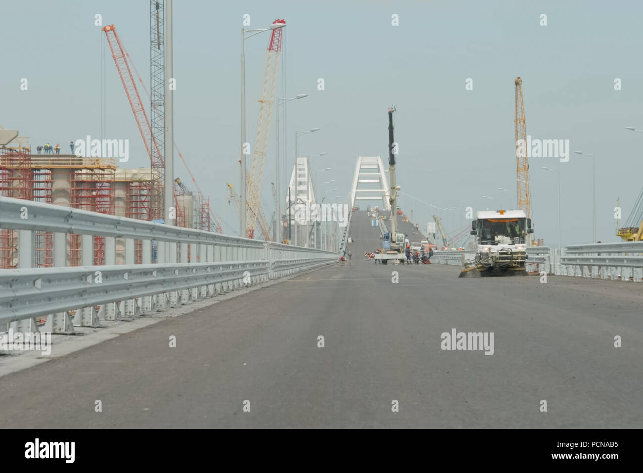 How is the construction of the Crimean bridge 13