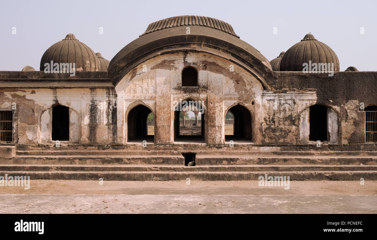 In the grounds of the Ahukhana, or deer park, the first tomb for