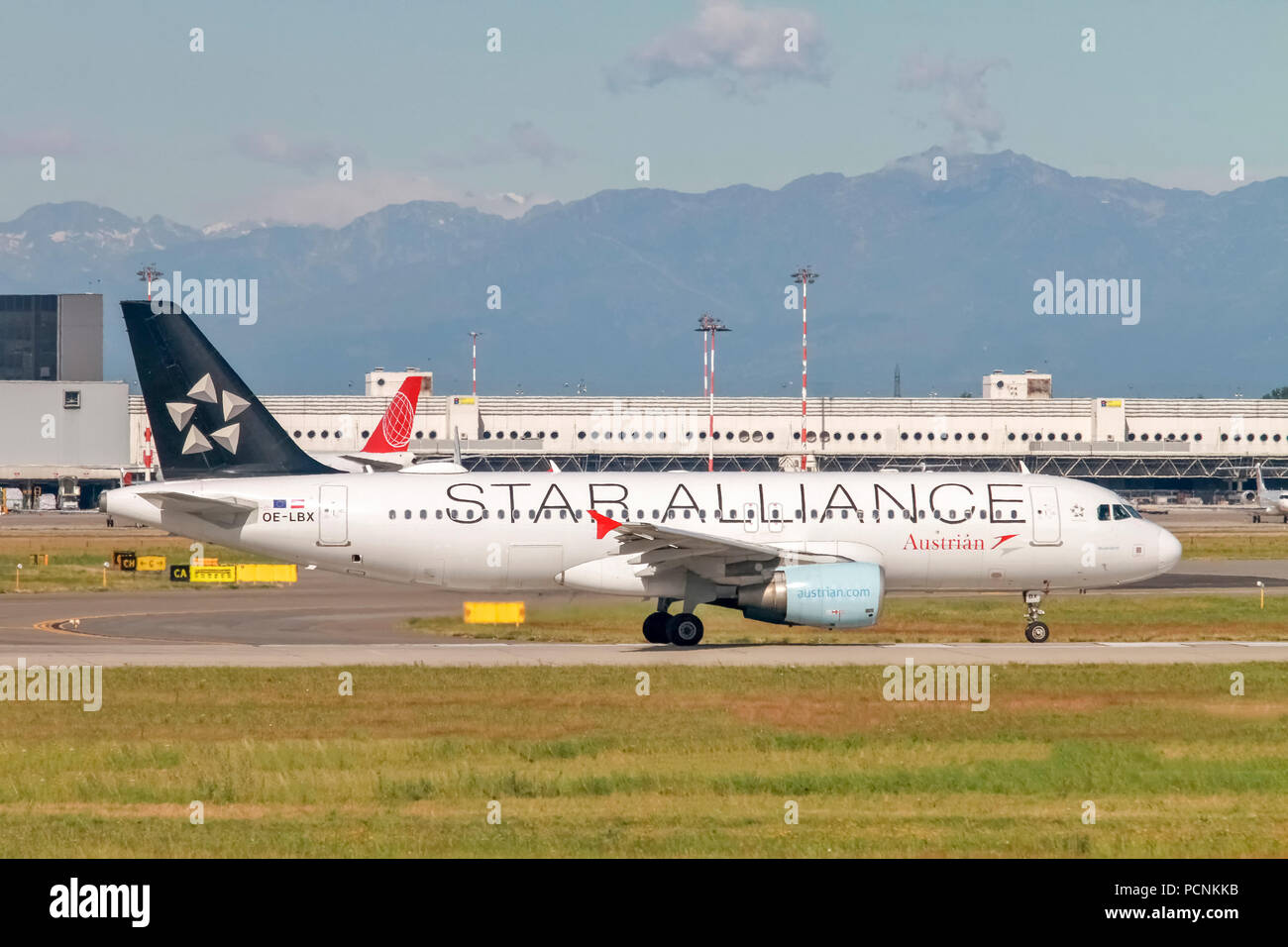 Austrian Airlines star alliance Airbus A320-200 (OE-LBX) at Milan - Linate Italy - Stock Image