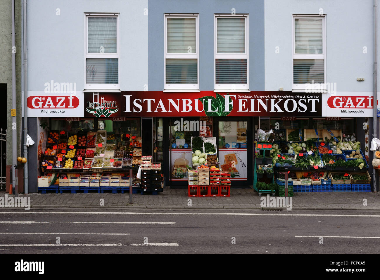 The stalls of fruit and vegetable of the fruit and vegetable trader 'Istanbul Feinkost' in Griesheim. - Stock Image