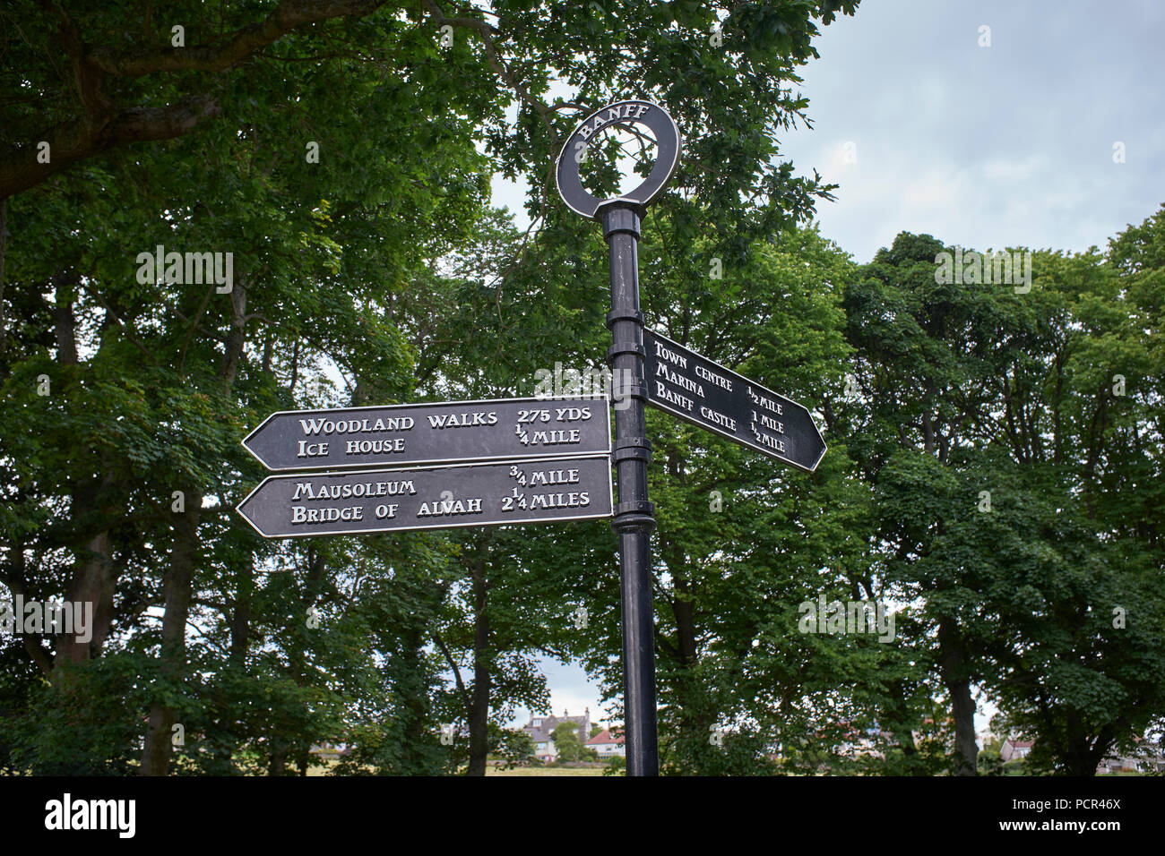 Visitor sign post for walks in the grounds of Duff House. - Stock Image