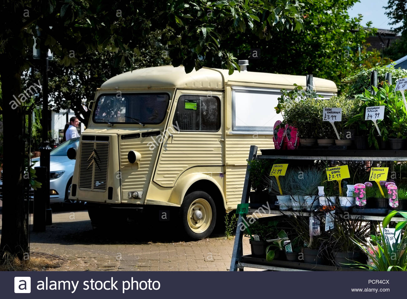 Old Citroen Van And Flowers Plants For Sale Lincoln Uk Stock Photo