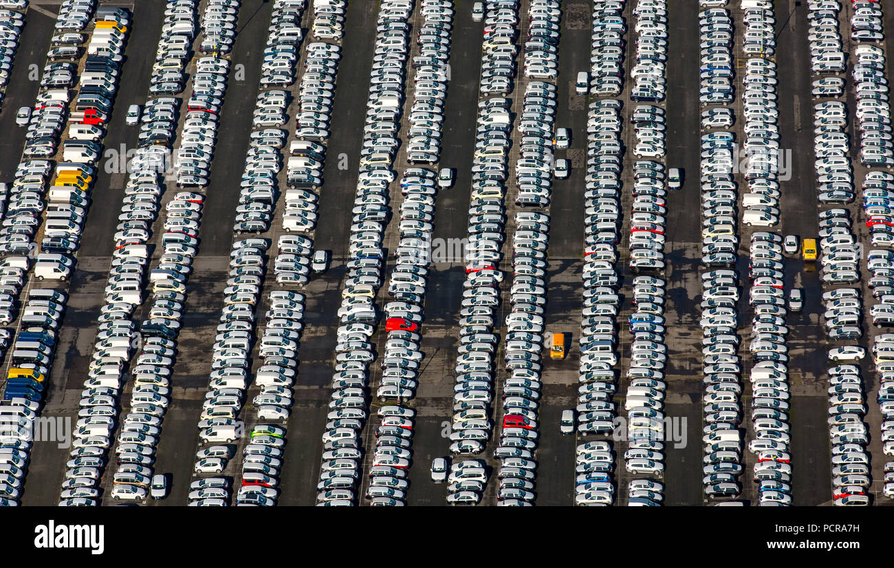 Car dump, car parking, Helf Automobil-Logistik GmbH, new cars, VW, Audi, Porsche, Mercedes, Essen, Ruhr area, North Rhine-Westphalia, Germany Stock Photo