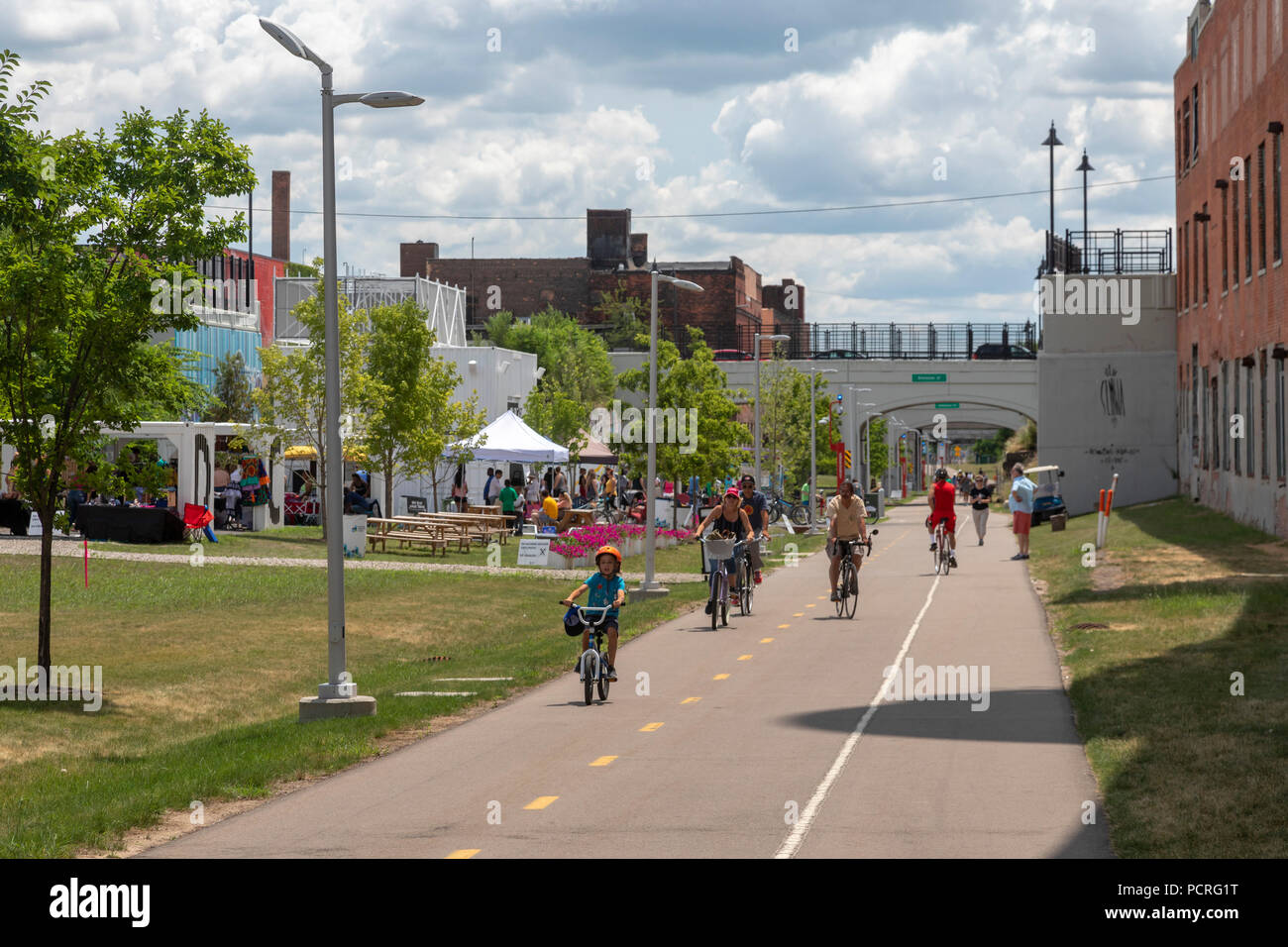 Detroit, Michigan - The Dequindre Cut, a popular walking and bicycling trail near downtown. It was made from an old railroad bed. - Stock Image