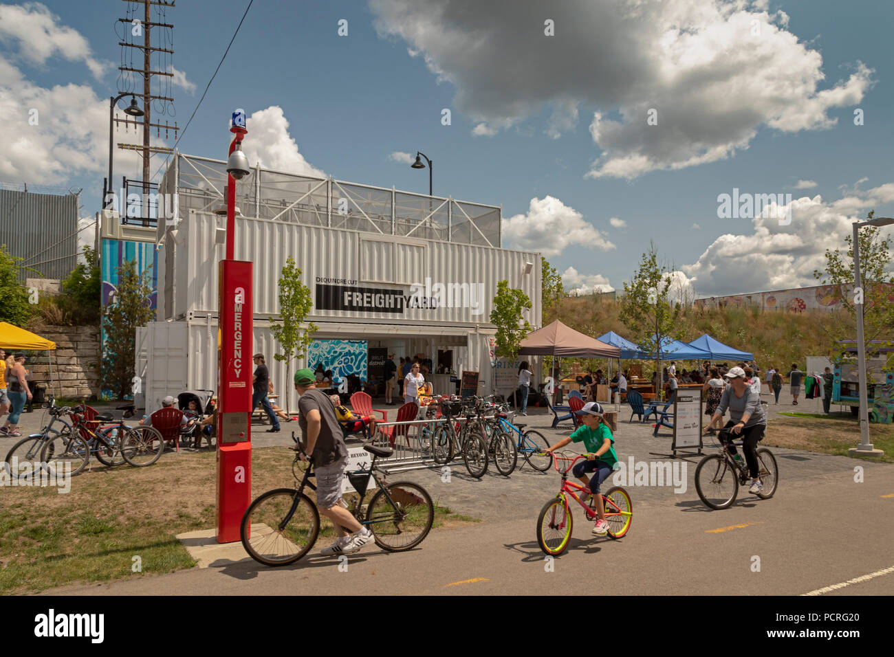 Detroit, Michigan - The Freight Yard, a beer and wine garden with shopping and food trucks constructed from shipping containers. The Freight Yard is a Stock Photo