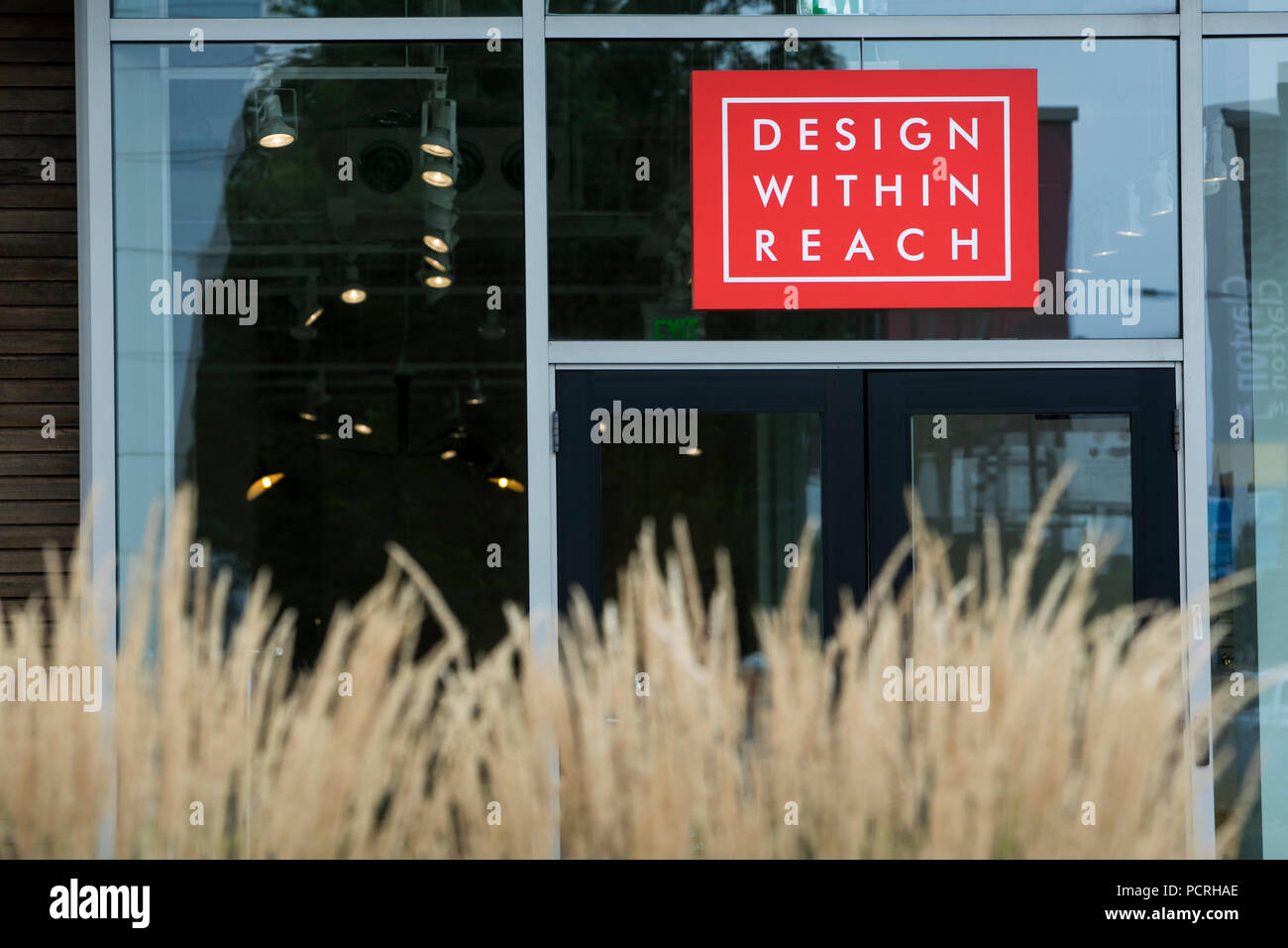 A logo sign outside of a Design Within Reach retail store location in Denver, Colorado, on July 23, 2018. - Stock Image