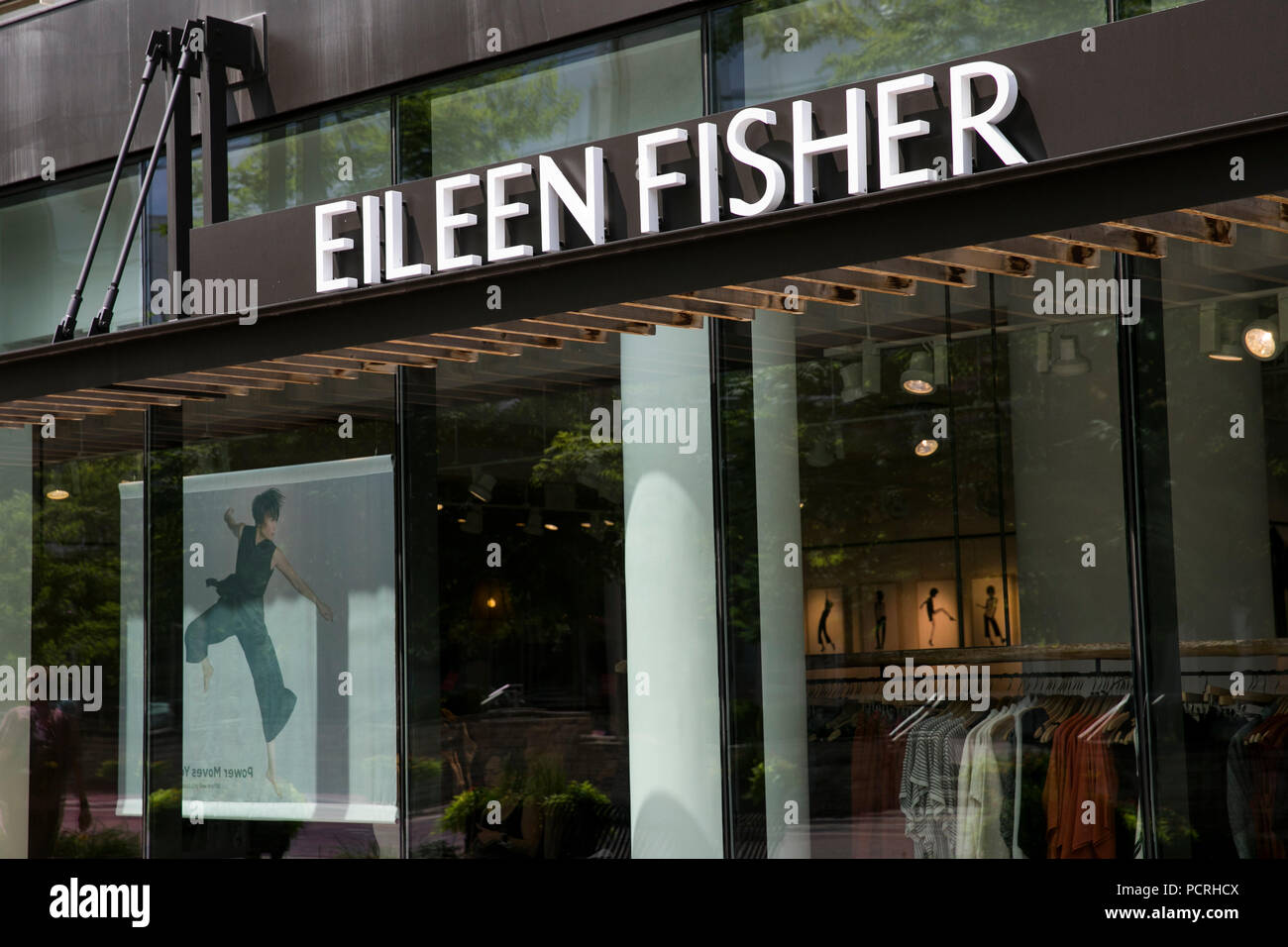 Eileen Fisher Stock Photos & Eileen Fisher Stock Images ...