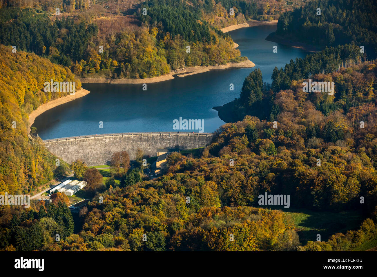 Ennepetal Dam, wall renovation and lowered water level, dam wall, repair of water regulation tower, Ennepetal, Ruhr area, North Rhine-Westphalia, Germany - Stock Image