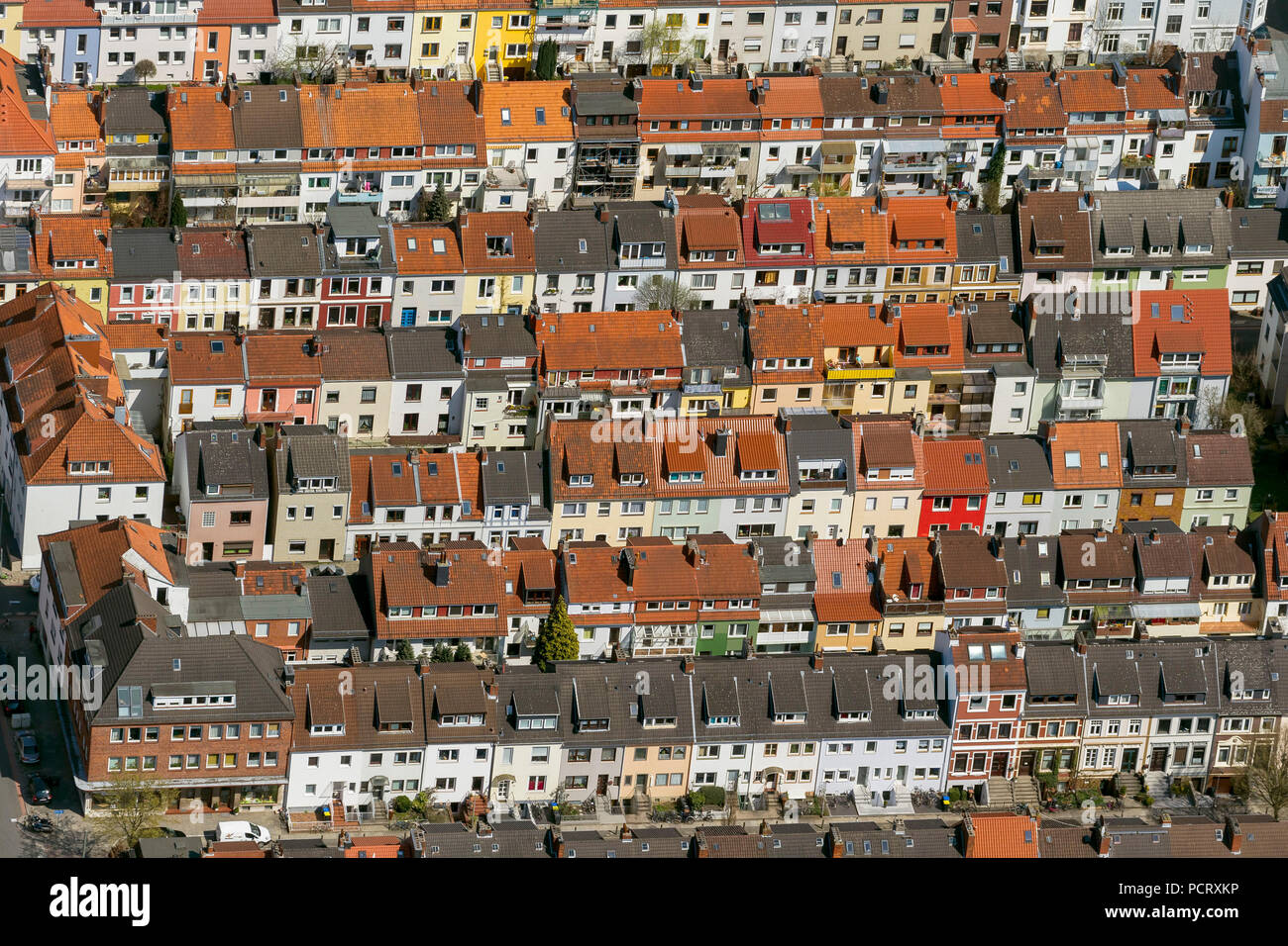 Row of houses in the district Findorff, rented flats, flats, red tile roofs, penthouses, aerial view, aerial photographs of Bremen - Stock Image
