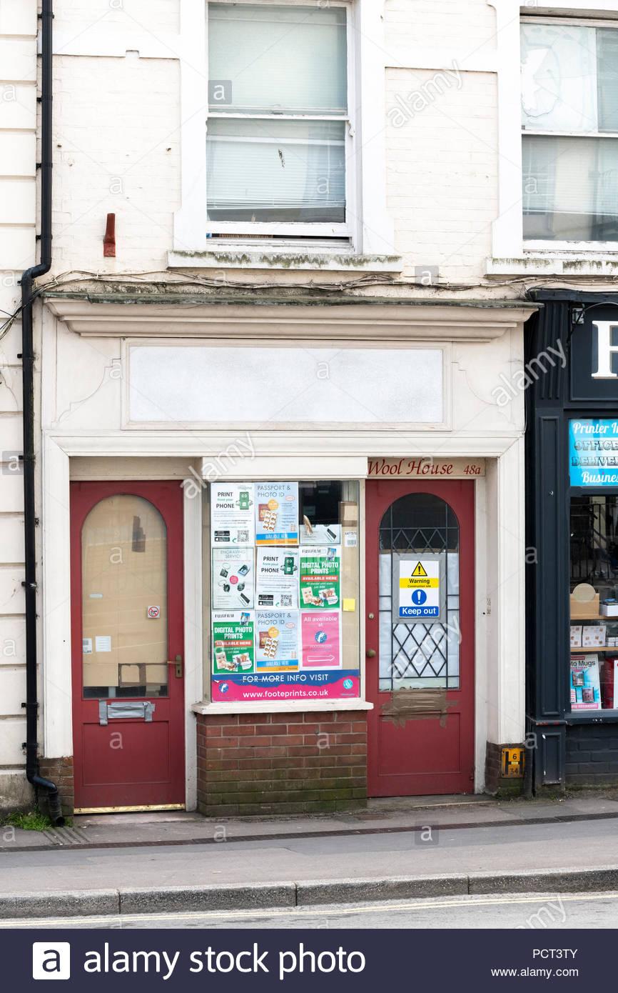Empty shop, East Street, Bridport, Dorset, England, Britain, Europe UK GB - Stock Image