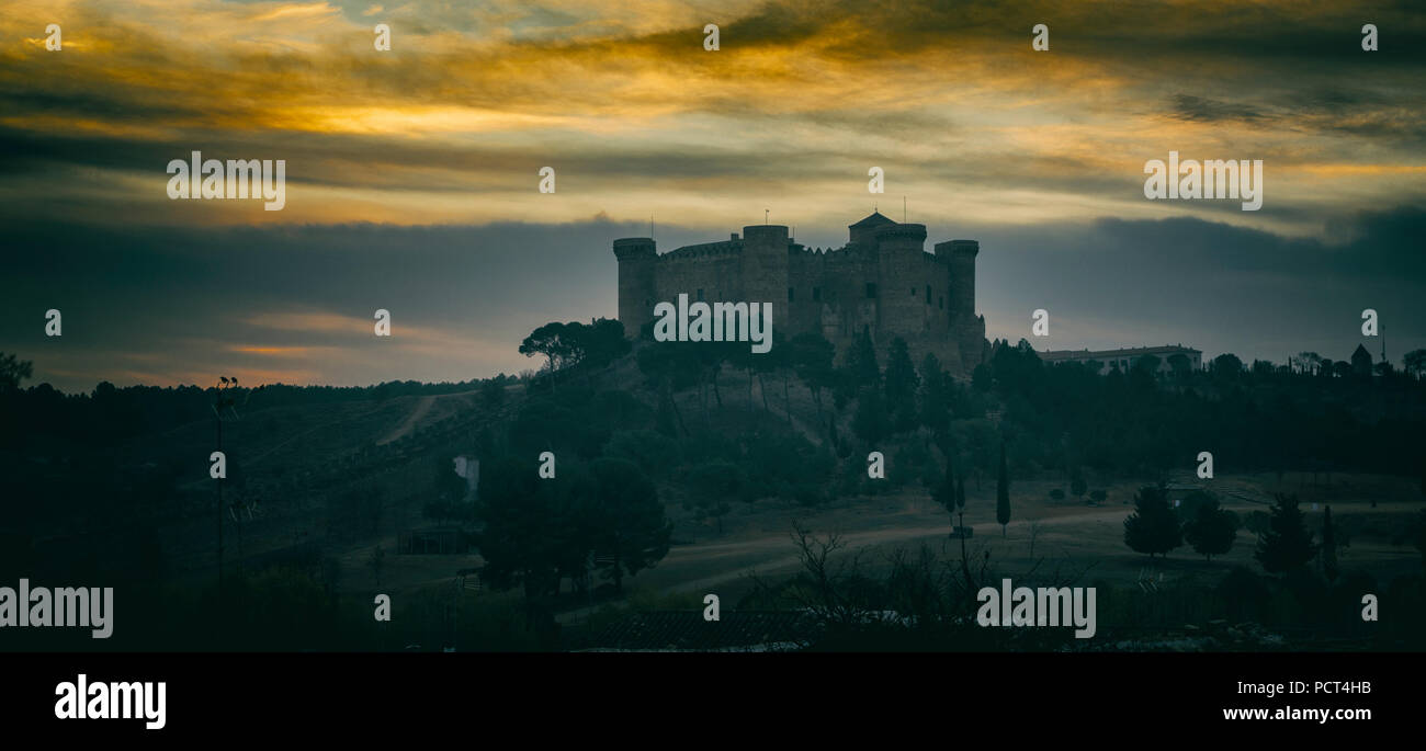 Belmonte, Cuenca Province, Castilla-La Mancha, Spain.  15th century Gothic-Mudejar castle. - Stock Image