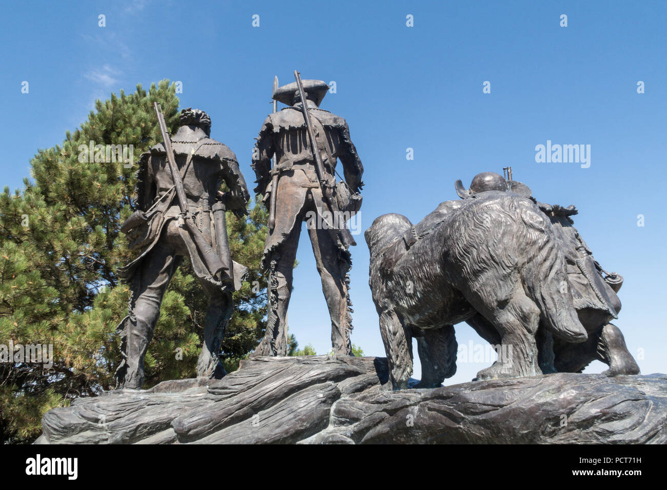 'Explorers at the Portage' Lewis and Clark statue overlooking Great Falls, MT, USA - Stock Image