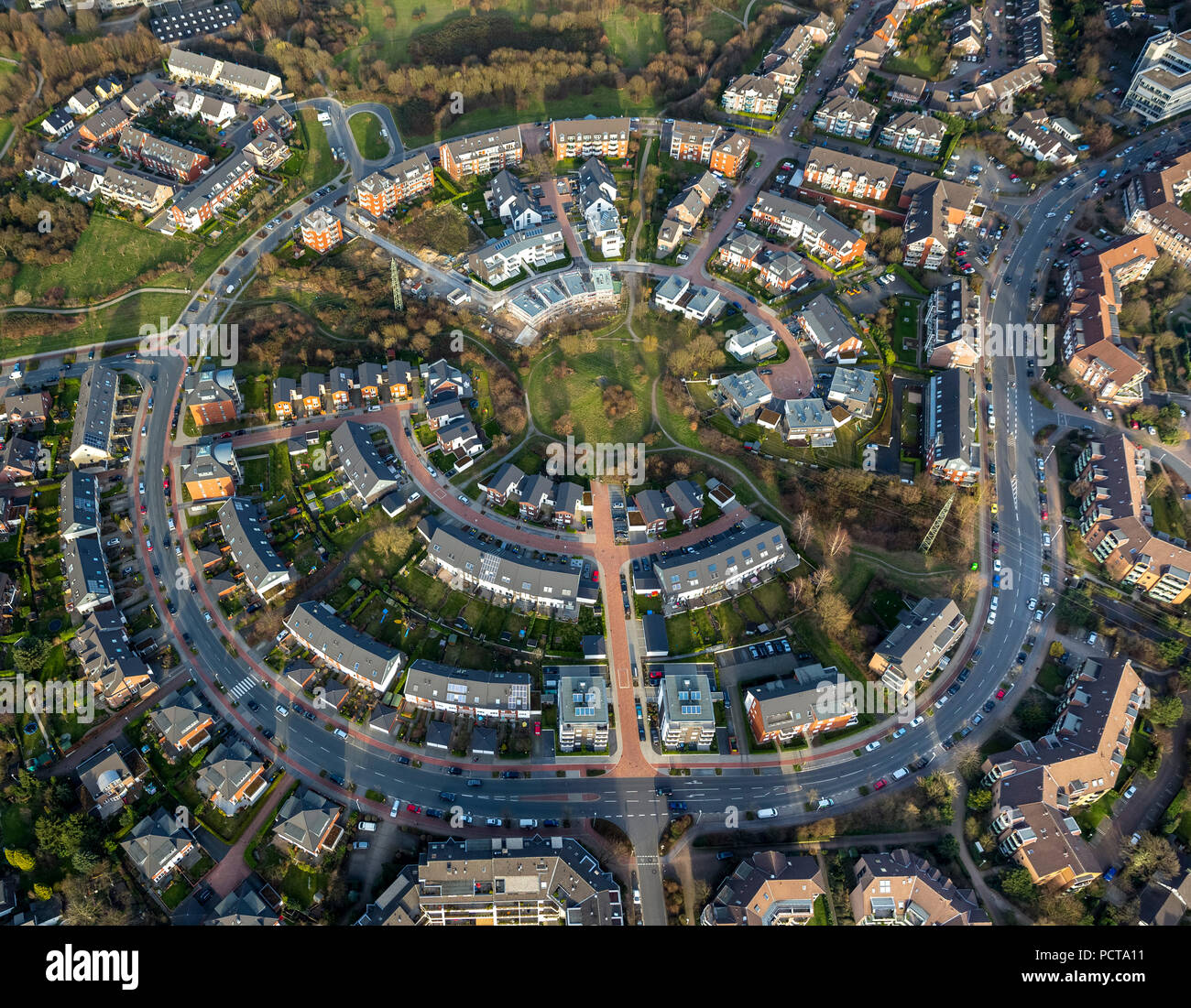 Aerial photo, Saarn and Saarner Mitte, concentric development, urban planning, Mülheim, Ruhr area - Stock Image