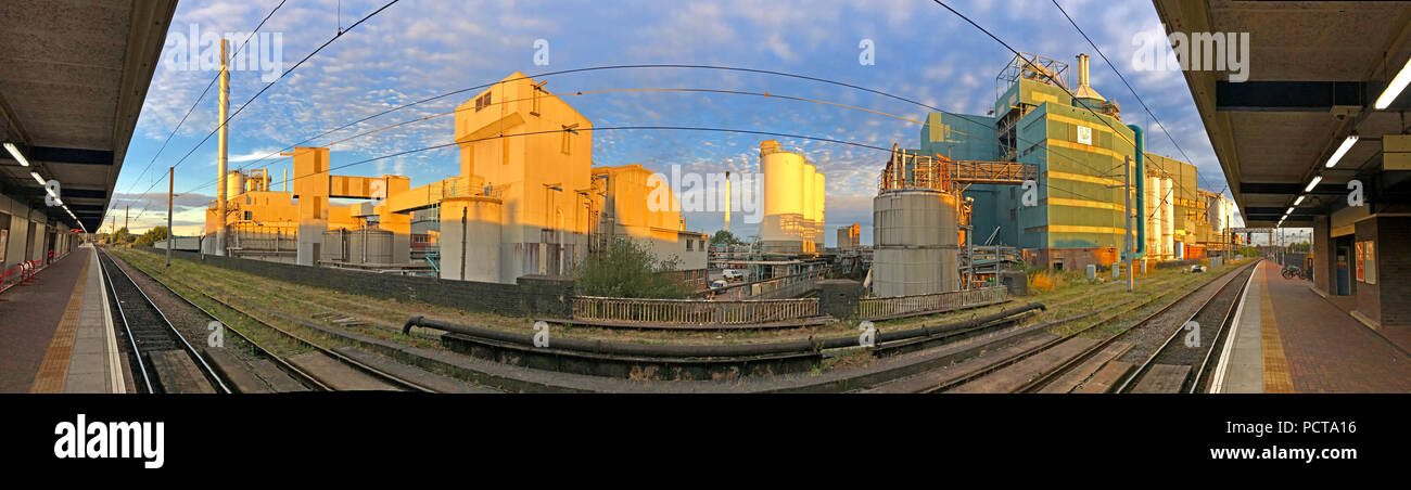 Lever Brothers Persil Soap Powder Factory Panorama, Bank Quay, Warrington, Cheshire, North West England, UK - Stock Image