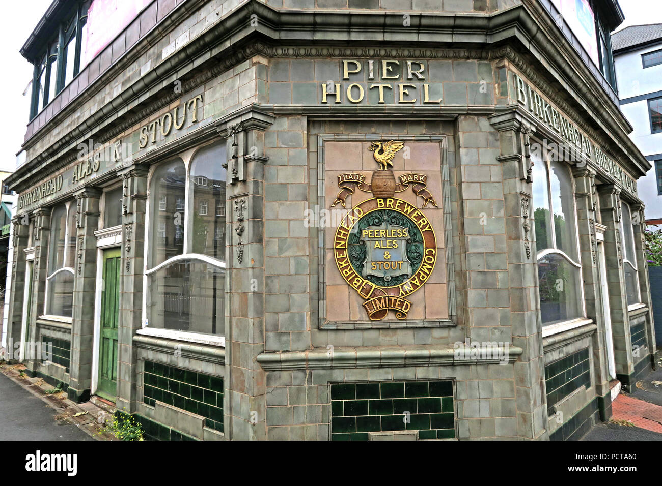 The Pier Hotel, Birkenhead Central, Birkenhead,  Canning Street, Birkenhead, Wirral, CH41 6QS - Stock Image