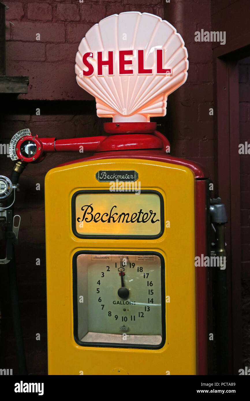 Historic Beckmeter, Shell Petrol Pump in red and yellow, 1950s, 1960s - Stock Image
