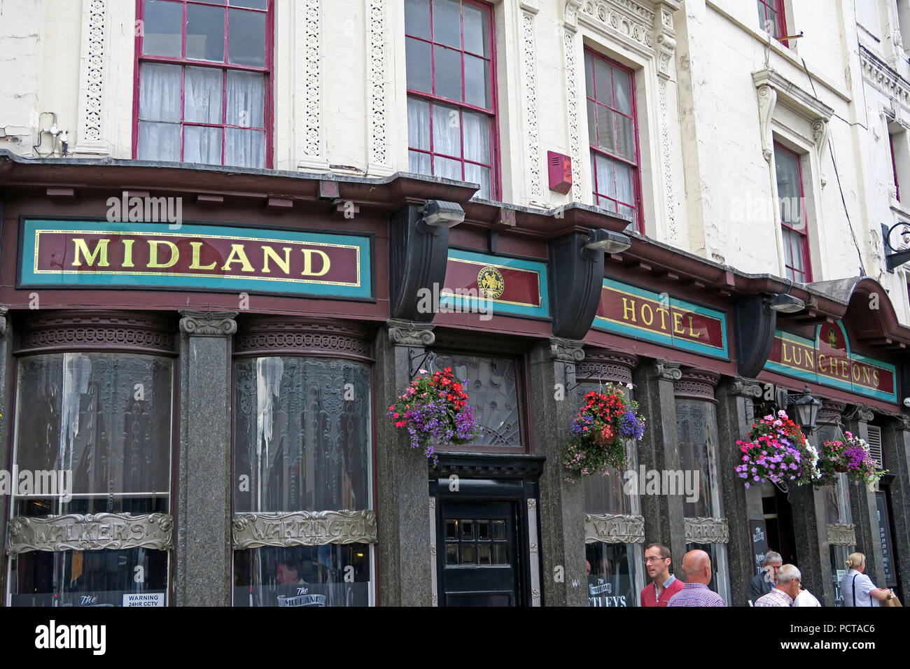 Midland Hotel Luncheons pub, 25 Ranelagh St, Liverpool, Merseyside, North West England, UK,  L1 1JP - Stock Image