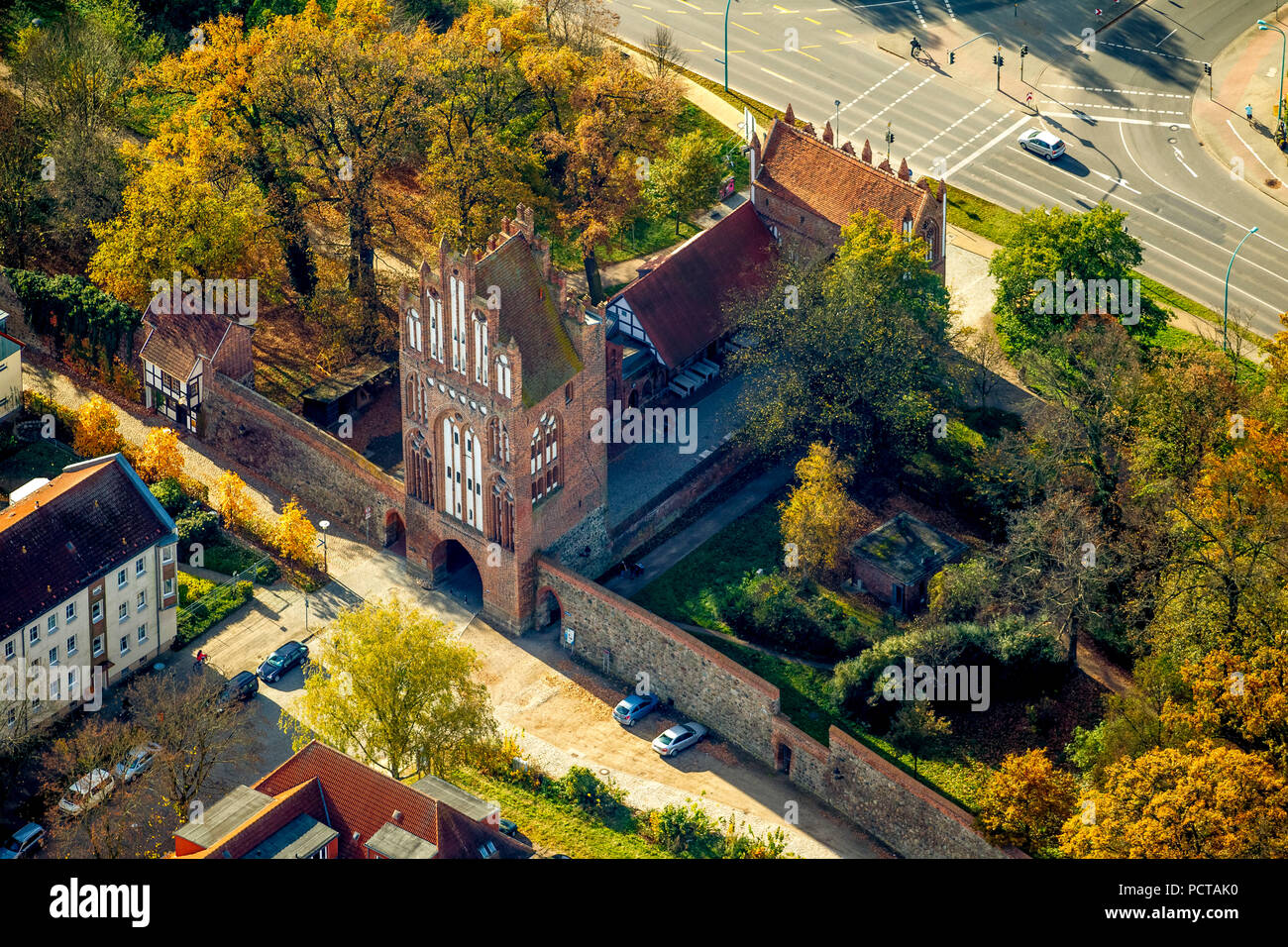 City gate in the style of the brick Gothic, Neubrandenburg, Mecklenburg Lake District, Müritz, Mecklenburg-West Pomerania, Germany - Stock Image