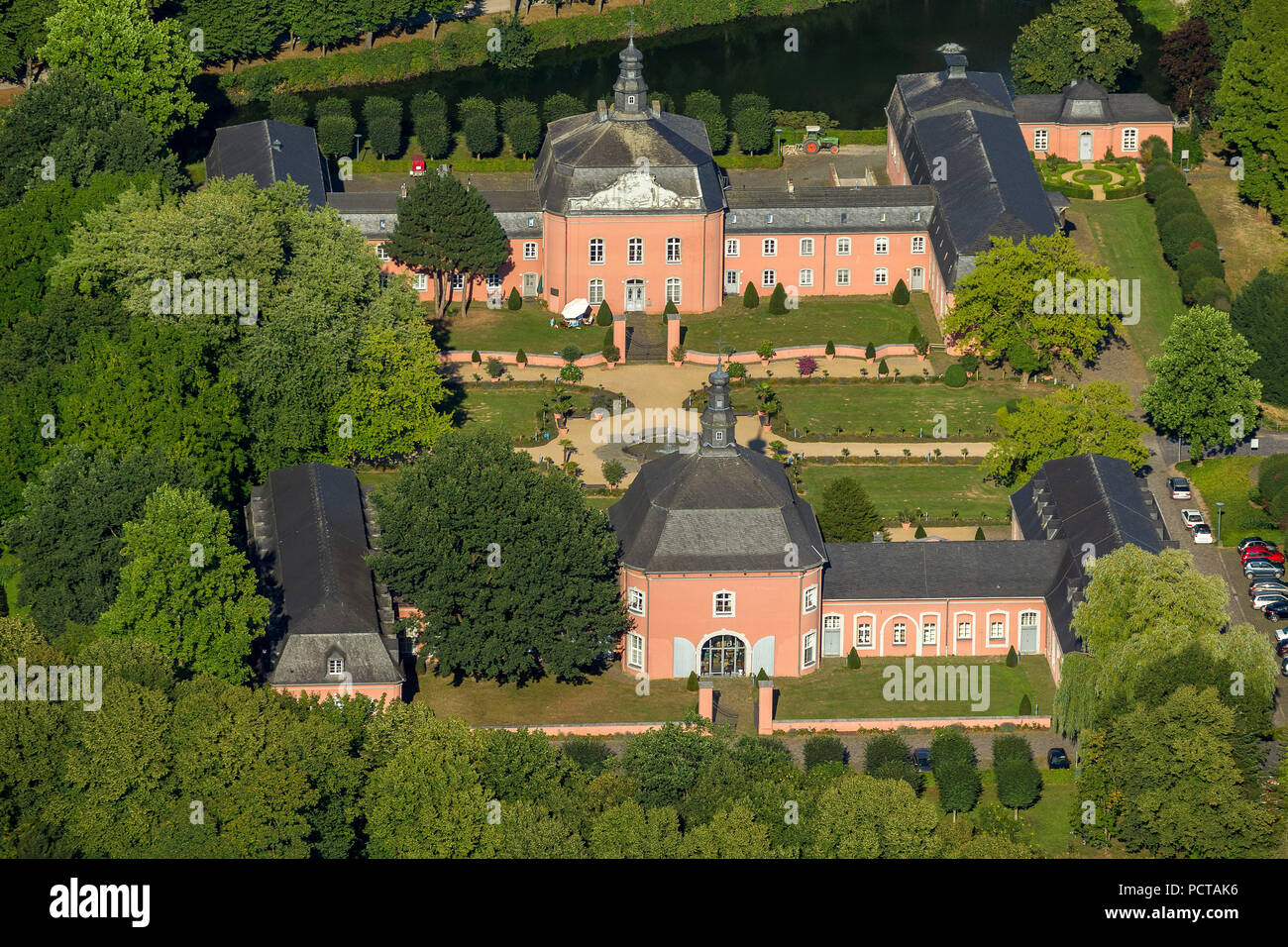 Wickrath Castle, moated castle complex at the Niers, park, outer bailey, Mönchengladbach, Lower Rhine, North Rhine-Westphalia, Germany, Europe - Stock Image