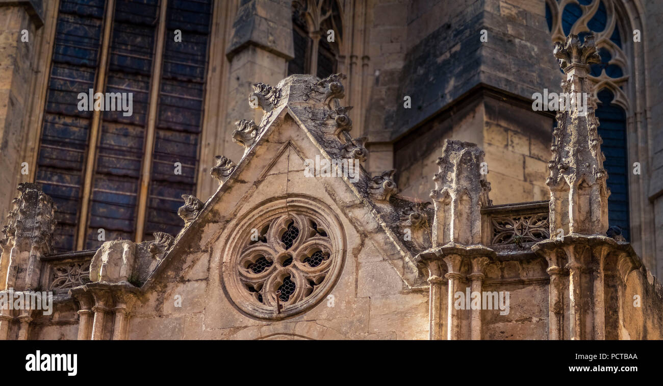 Detail of Saint Just and Saint Pasteur cathedral, Gothic style, construction started in 1272 - Stock Image