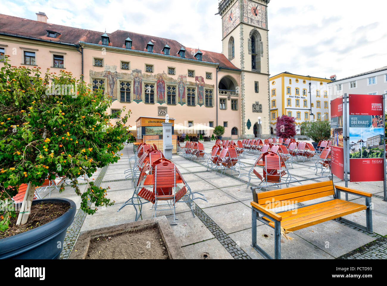 Old main customs office, town hall square, street cafe, house facade, city architecture, Passau, Lower Bavaria, Bavaria, Germany - Stock Image