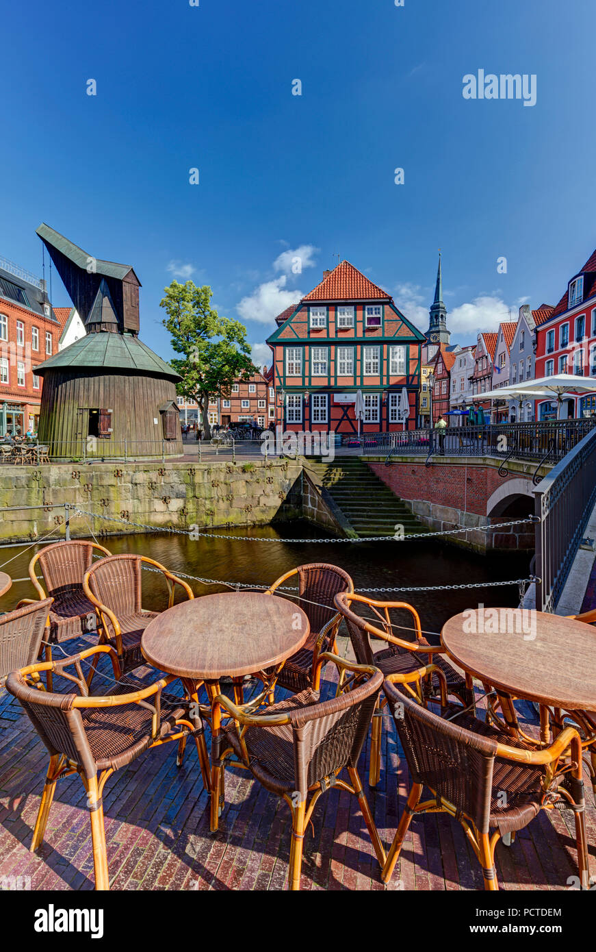 Wooden crane, Hanse harbour, half-timbered houses, Stade, Altes Land, Niederelbe, Lower Saxony, Northern Germany, Germany, Europe - Stock Image