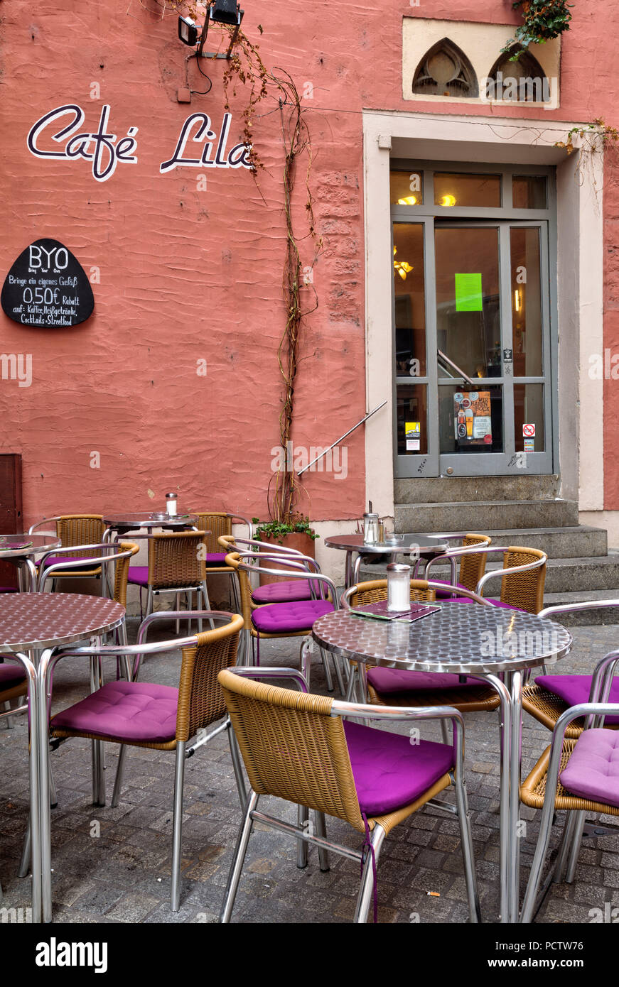 Cafe Lila, Facade, Tables, Chairs, old town, Autumn, Historic, Regensburg, Upper Palatinate, Bavaria, Germany, Europe - Stock Image