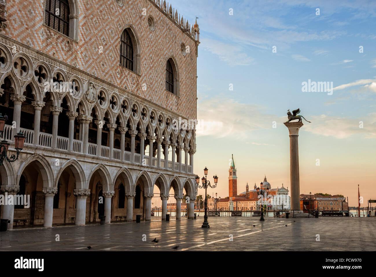 Venice's St. Mark's Square empty at dawn - Stock Image