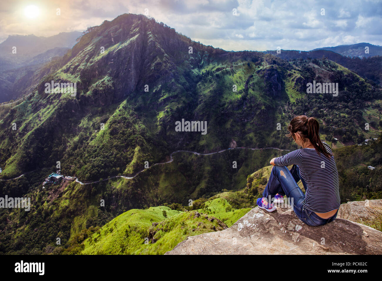 364c61d2e View over the mountains from Little Adams Peak seeing Ella Rock walkways  and mountainpeaks in sunrise