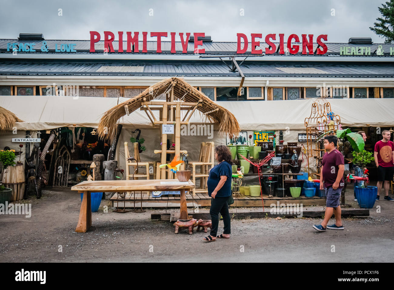 primitive design is an unique art and home décor store in hope port canada - Stock Image